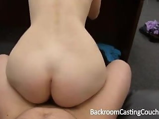 babe gamer babe anal cum casting