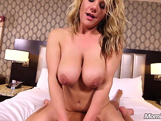 busty mompov busty naturals blonde titty