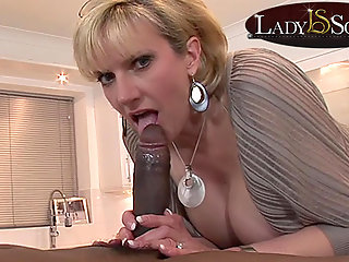 lady mature lady sonia gets black