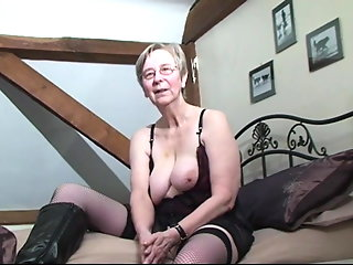 granny british granny kim loves ass