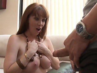 mom beautiful mom tits gets friend