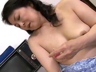 japanese horny japanese mature bitch fucked